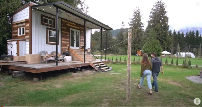 Living in a Beautiful Compact 200ft Tiny House