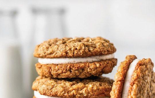 Homemade Oatmeal Creme Cookies